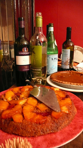 Potluck Feast! (photo by Keka Marzagao)